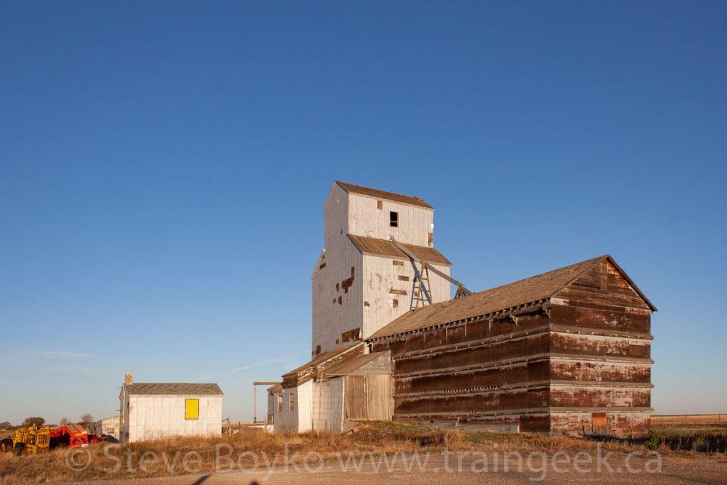 Ogilvie grain elevator in Wrentham, AB