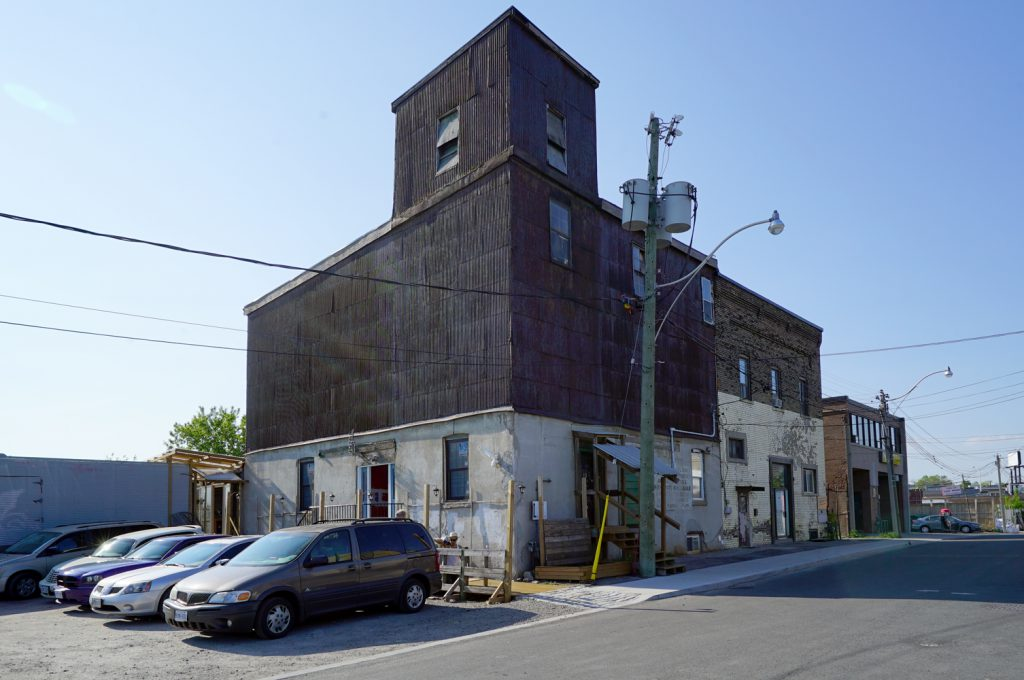 Dawes, Ontario former feed mill. Contributed by Jan Normandale.