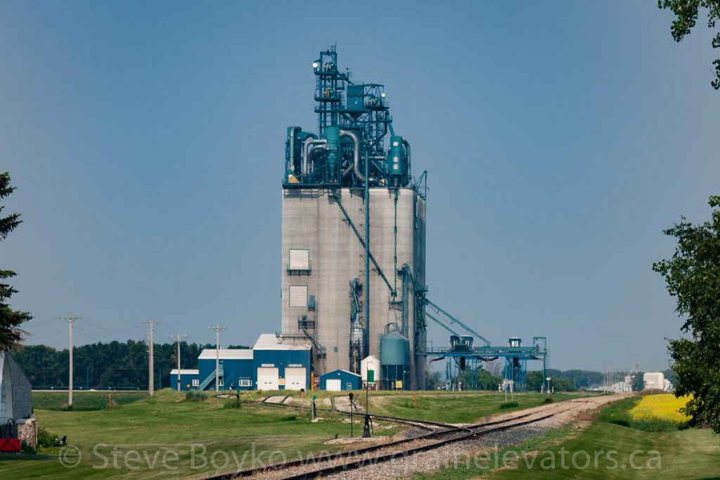 Side view of the Agassiz grain elevator. July 2014.