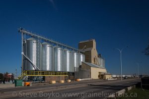 Coaldale, AB grain elevator, October 2015