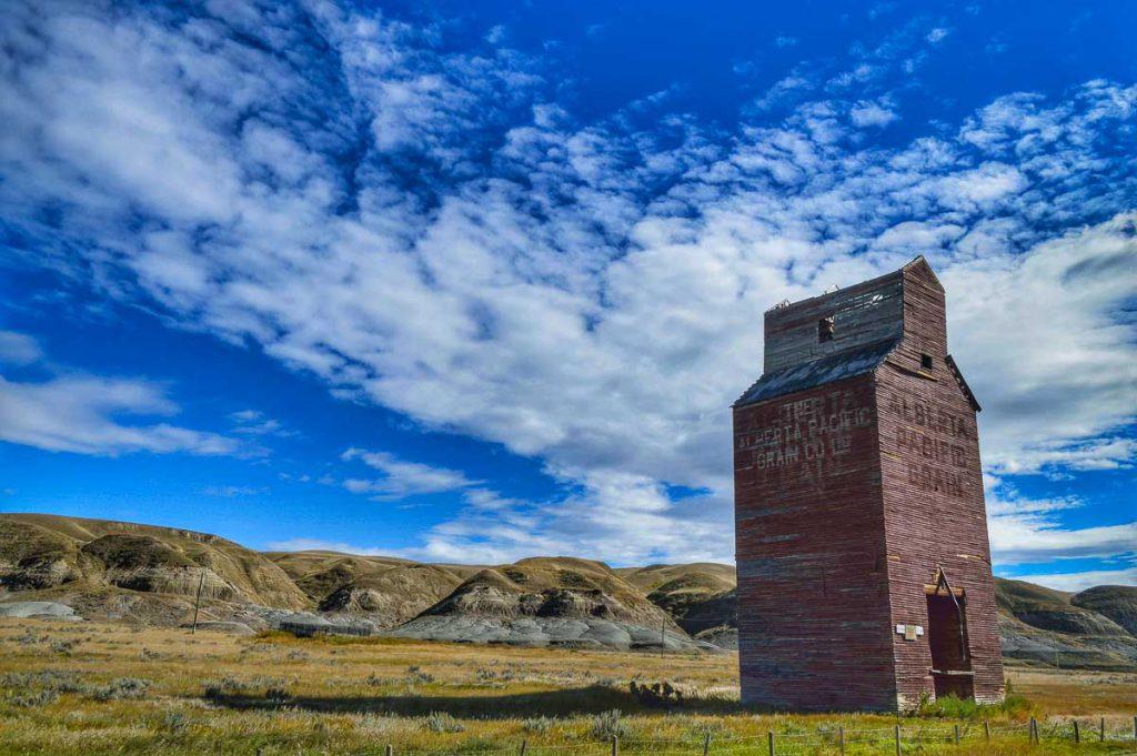 Dorothy, Alberta grain elevator. Contributed by Jenn Tanaka.