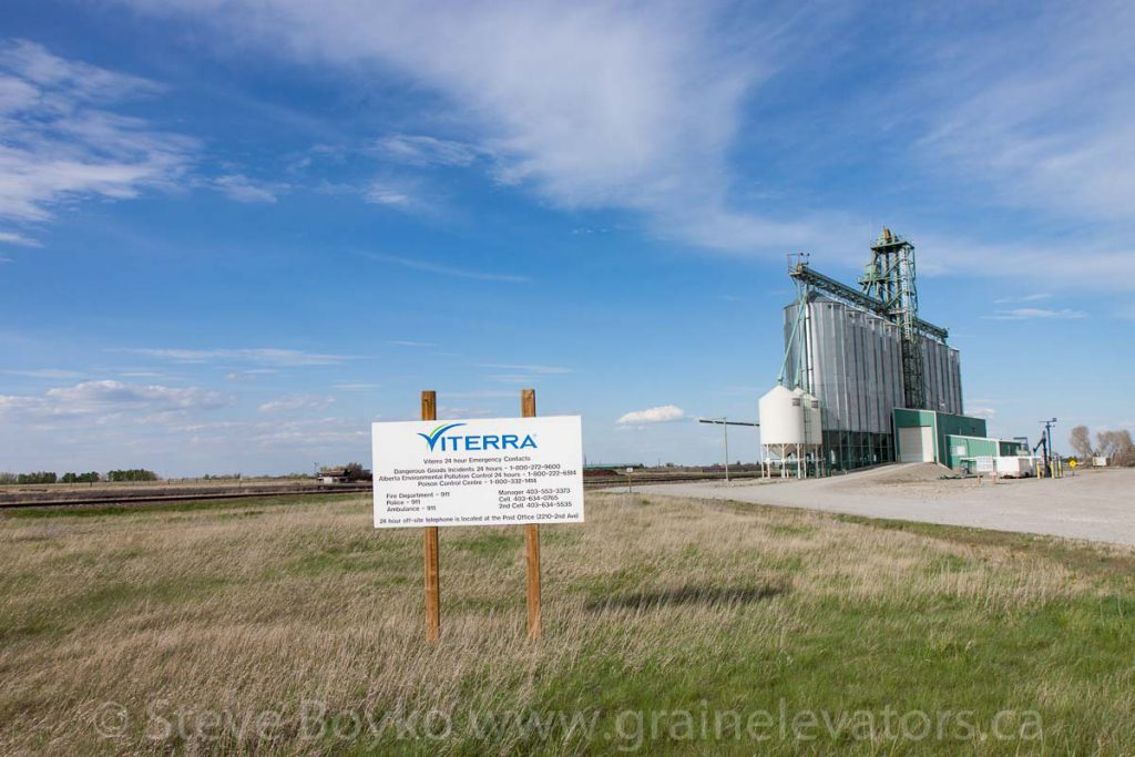 Viterra grain elevator in Fort MacLeod, AB. May 2017.