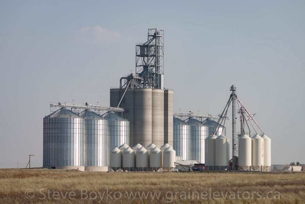 Lethbridge Inland Terminal grain elevator at Wilson Siding, AB, August 2013.