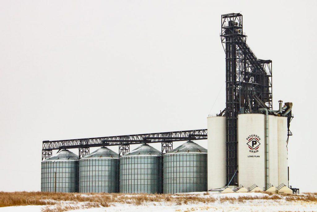 Long Plain grain elevator outside Gleichen, AB, October 2012