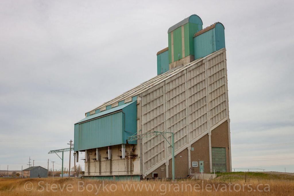 Buffalo 1000 grain elevator in Magrath, AB. October 2014.