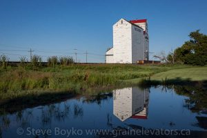 Mortlach grain elevator, July 2013