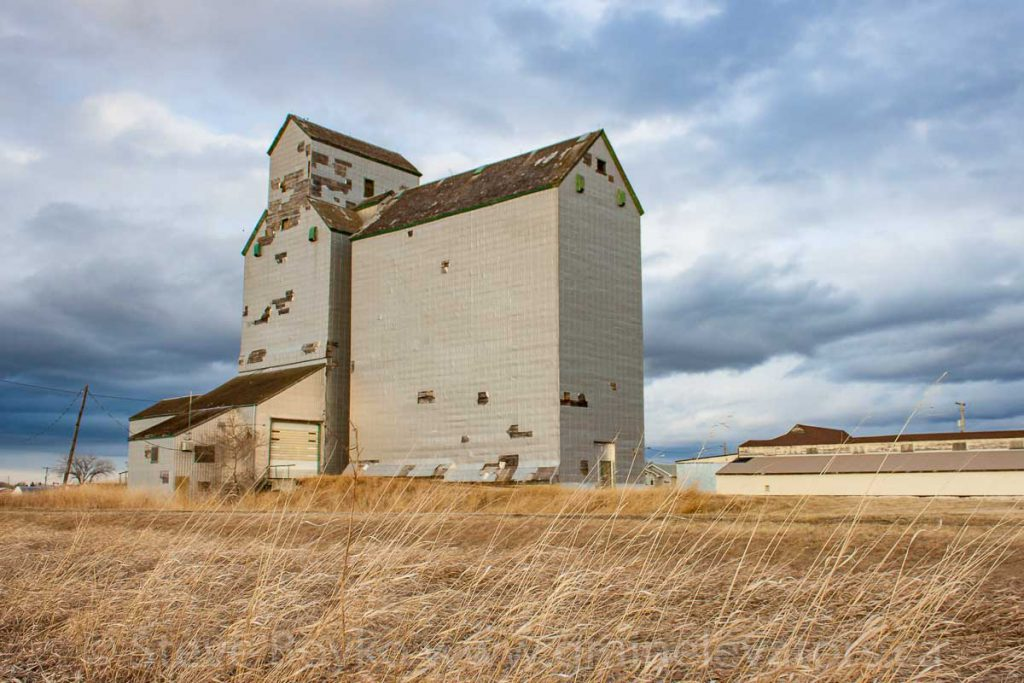 Sanford, MB grain elevator, May 2014. Contributed by Steve Boyko.