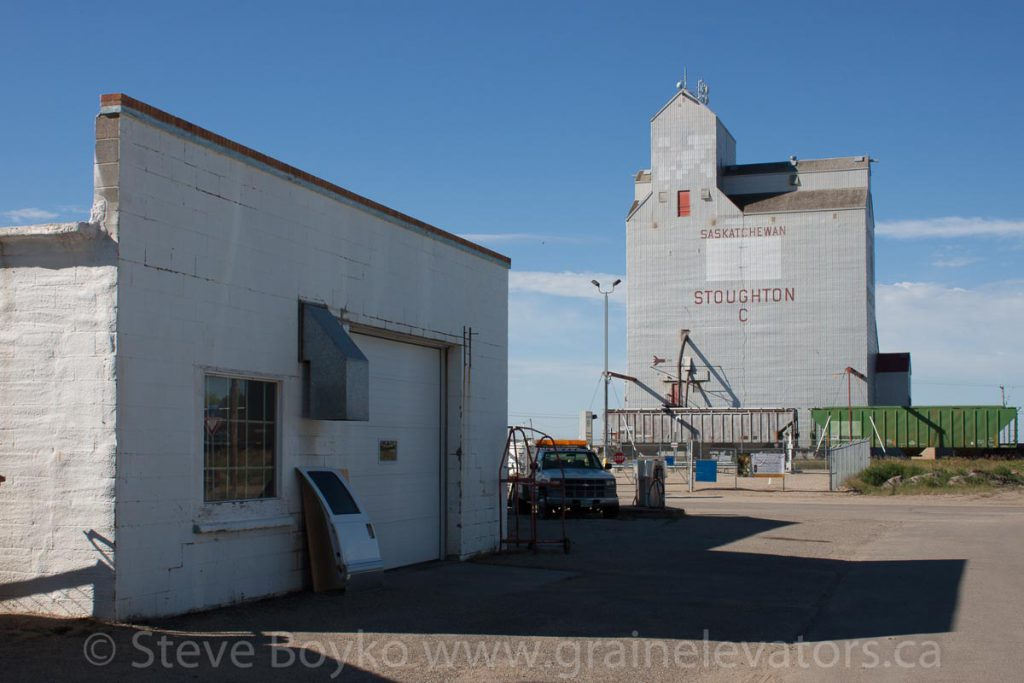 Ex Saskatchewan Wheat Pool grain elevator in Stoughton, SK, Aug 2015. Contributed by Steve Boyko.