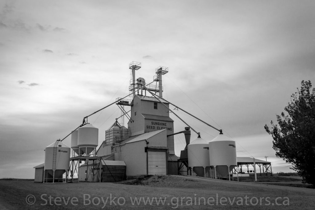 The Sunshine Feed Cleaning elevator at Craddock, AB. October 2014.