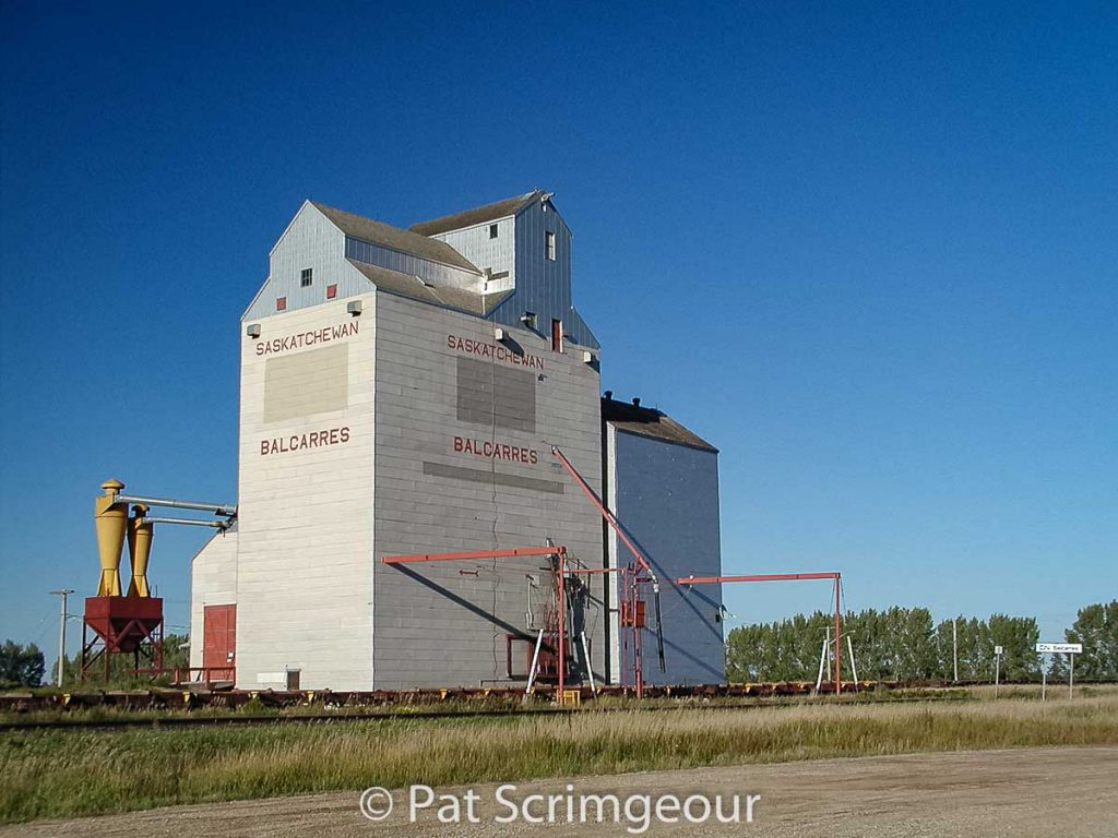 Balcarres, SK grain elevator, Sept 2002. Contributed by Pat Scrimgeour.