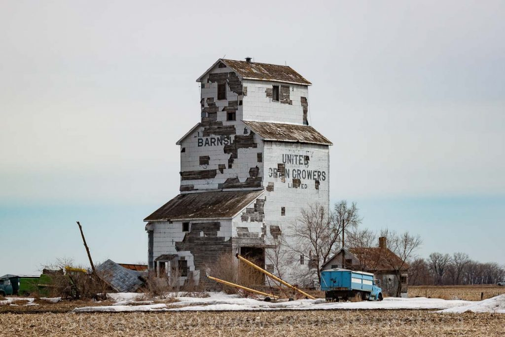 Barnsley UGG grain elevator, Apr 2014. Contributed by Steve Boyko.