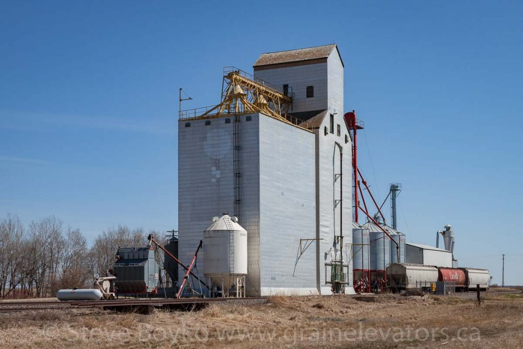 Birtle, MB grain elevator, Apr 2016. Contributed by Steve Boyko.