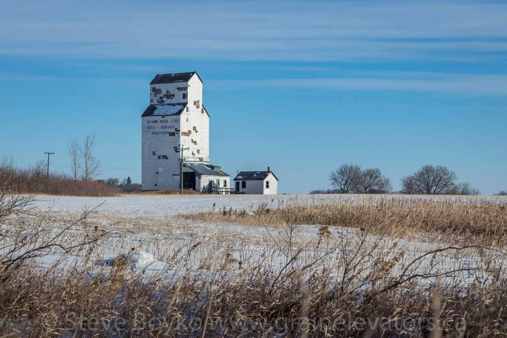 Mentmore, MB grain elevator, Dec 2017. Contributed by Steve Boyko.