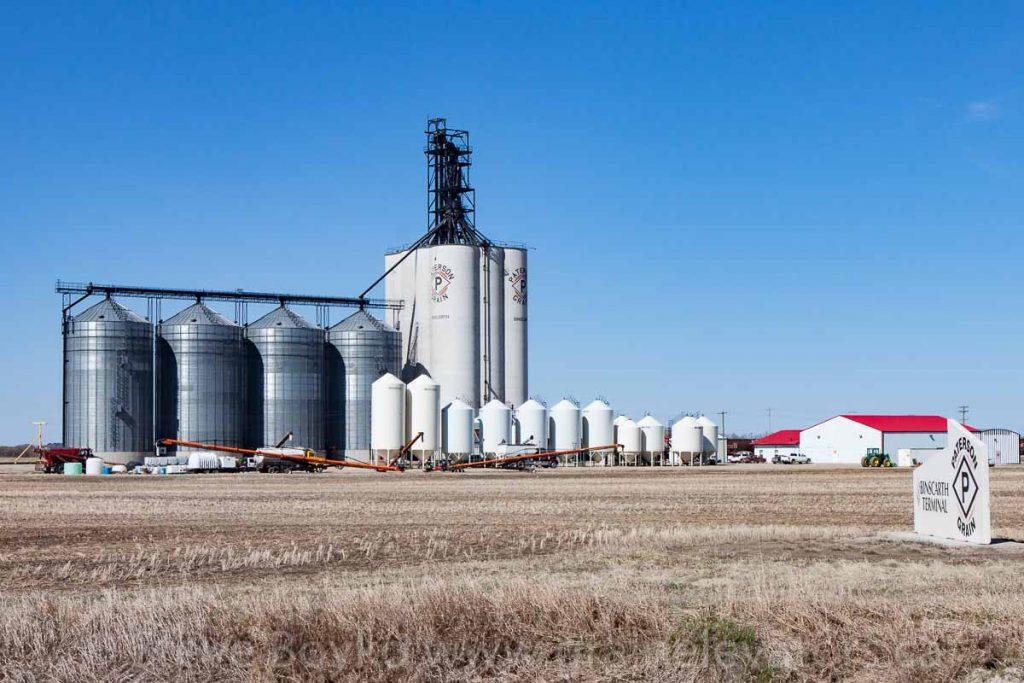 Paterson grain elevator in Binscarth, MB, Apr 2016. Contributed by Steve Boyko.