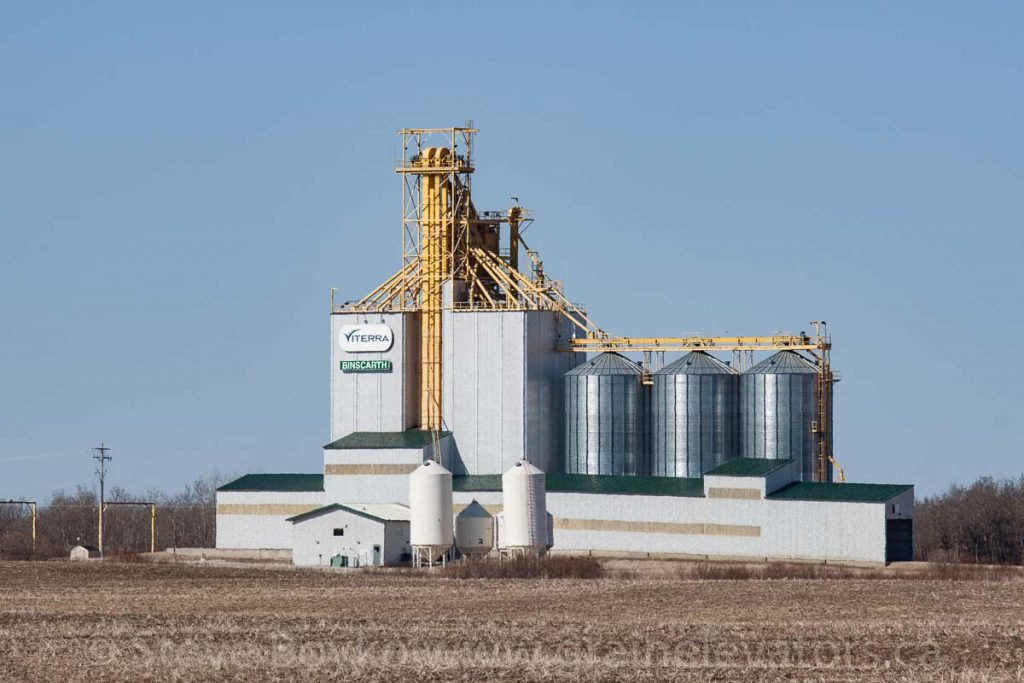 Viterra grain elevator in Binscarth, MB, Apr 2016. Contributed by Steve Boyko.