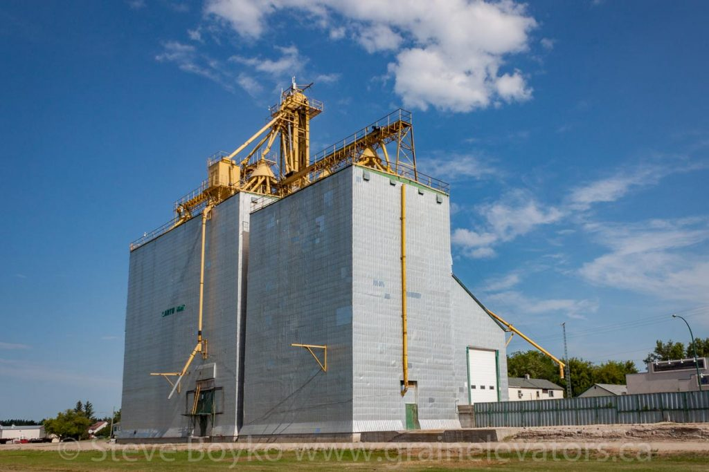 Cartwright, MB grain elevator, Aug 2014. Contributed by Steve Boyko.