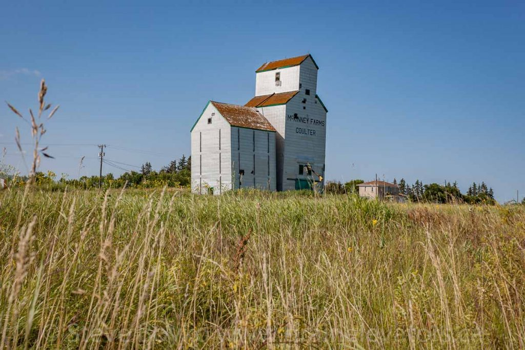 Grain elevator in Coulter, MB, Aug 2014. Contributed by Steve Boyko.