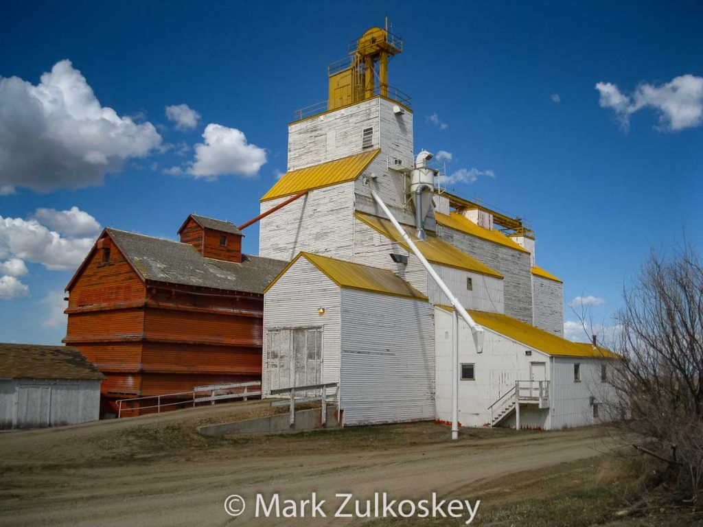 Grain elevator in Gull Lake, SK, Apr 2011. Contributed by Mark Zulkoskey.