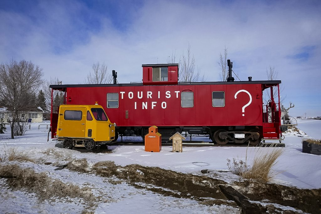 Tourist information caboose in Leader, SK, Feb 2018. Copyright by Michael Truman.