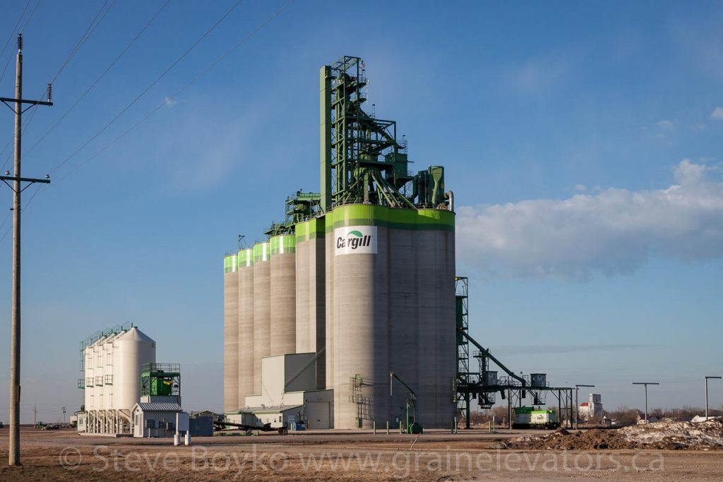 Cargill grain elevator in Morris, MB, Apr 2017. Contributed by Steve Boyko.