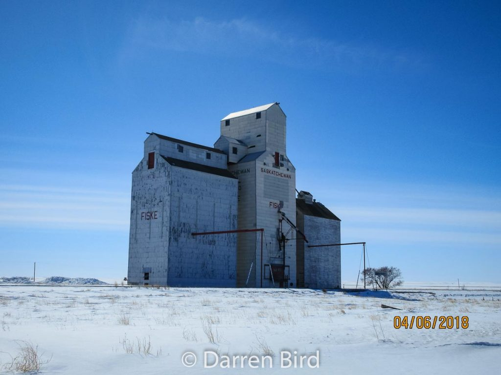 Grain elevator in Fiske, SK, Apr 2018. Contributed by Darren Bird.
