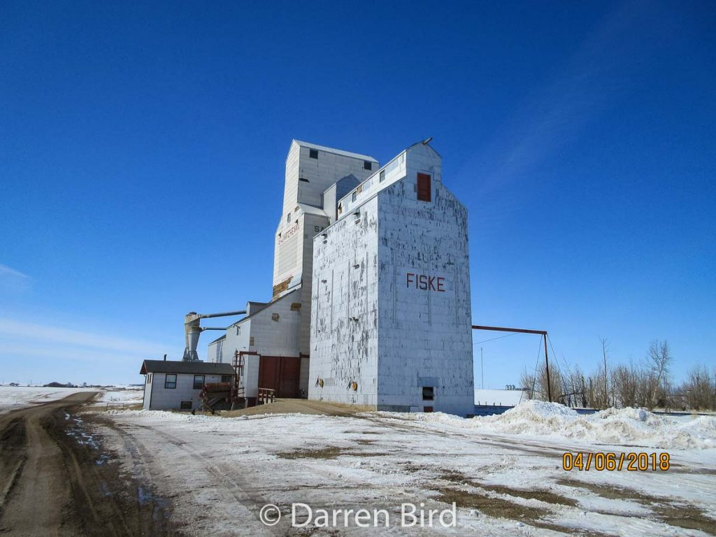 Fiske, SK grain elevator. Contributed by Darren Bird.