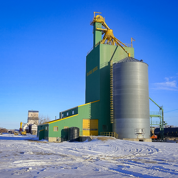Busse Brother grain elevator in Eastend, SK, March 2018. Copyright by Michael Truman.