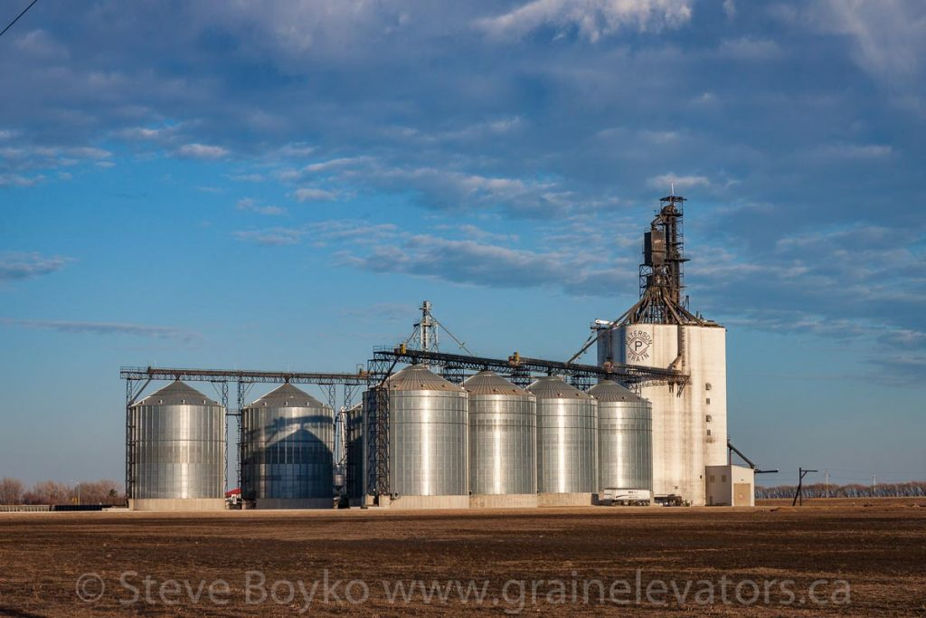 The Paterson grain elevator in Morris, MB, April 2017. Contributed by Steve Boyko.