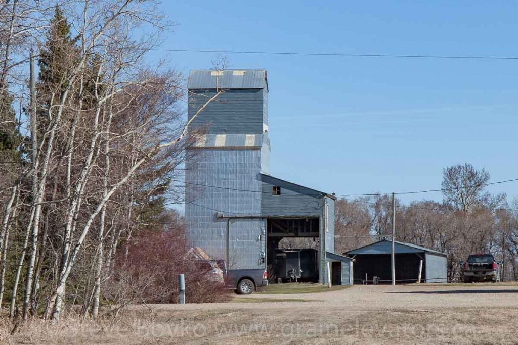 Private grain elevator in Silverton, MB, Apr 2016. Contributed by Steve Boyko.