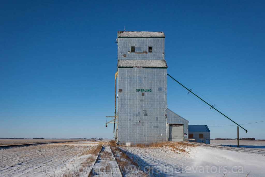 Grain elevator in Sperling, Manitoba, Dec 2014. Contributed by Steve Boyko.