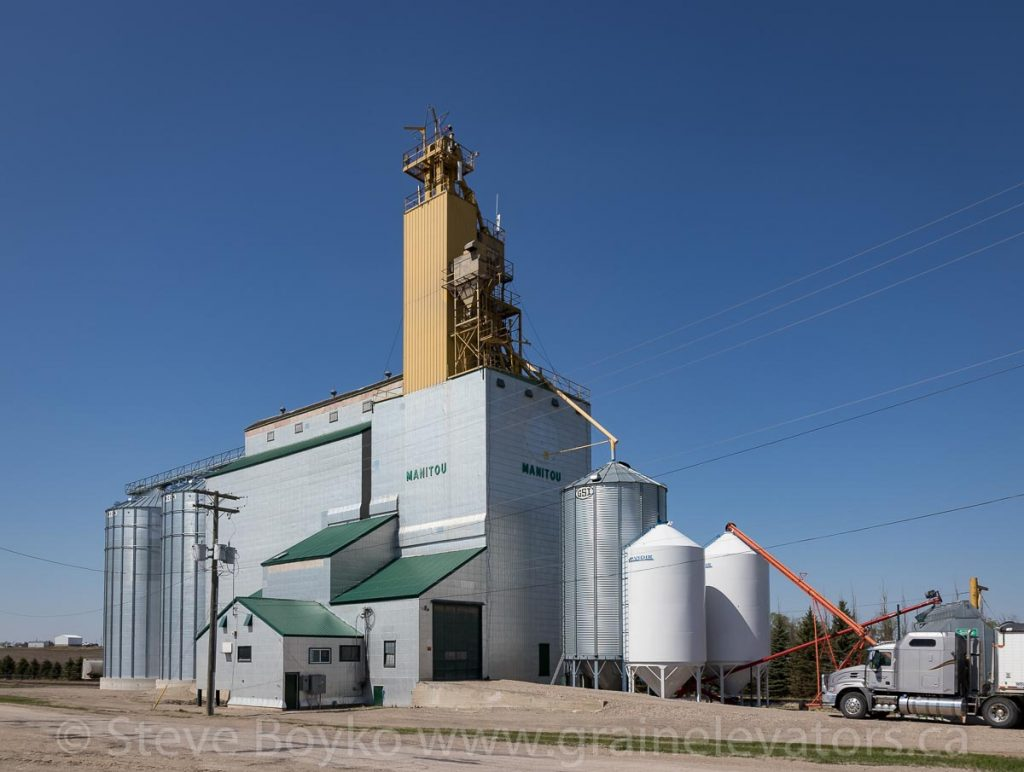 Manitou, MB grain elevator, May 2018. Contributed by Steve Boyko.