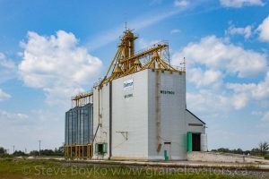 The Delmar Commodities grain elevator at Westroc, MB, Aug 2013. Contributed by Steve Boyko.