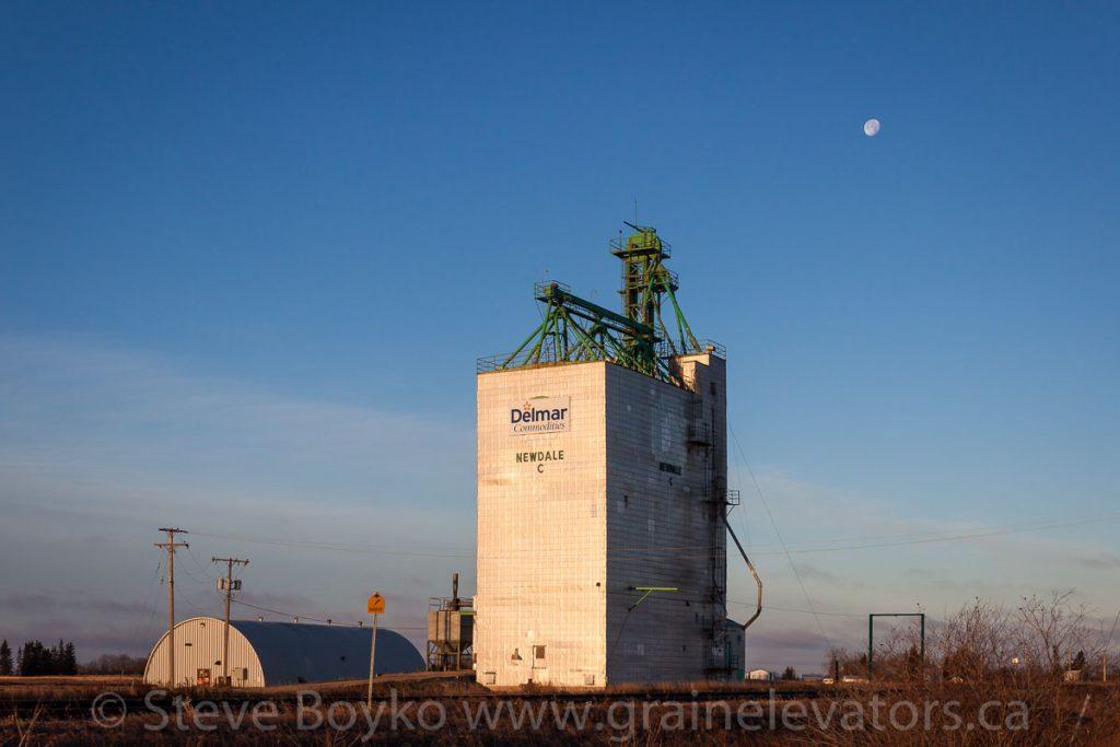 Former Manitoba Pool grain elevator in Newdale, Manitoba, Nov 2014. Contributed by Steve Boyko.