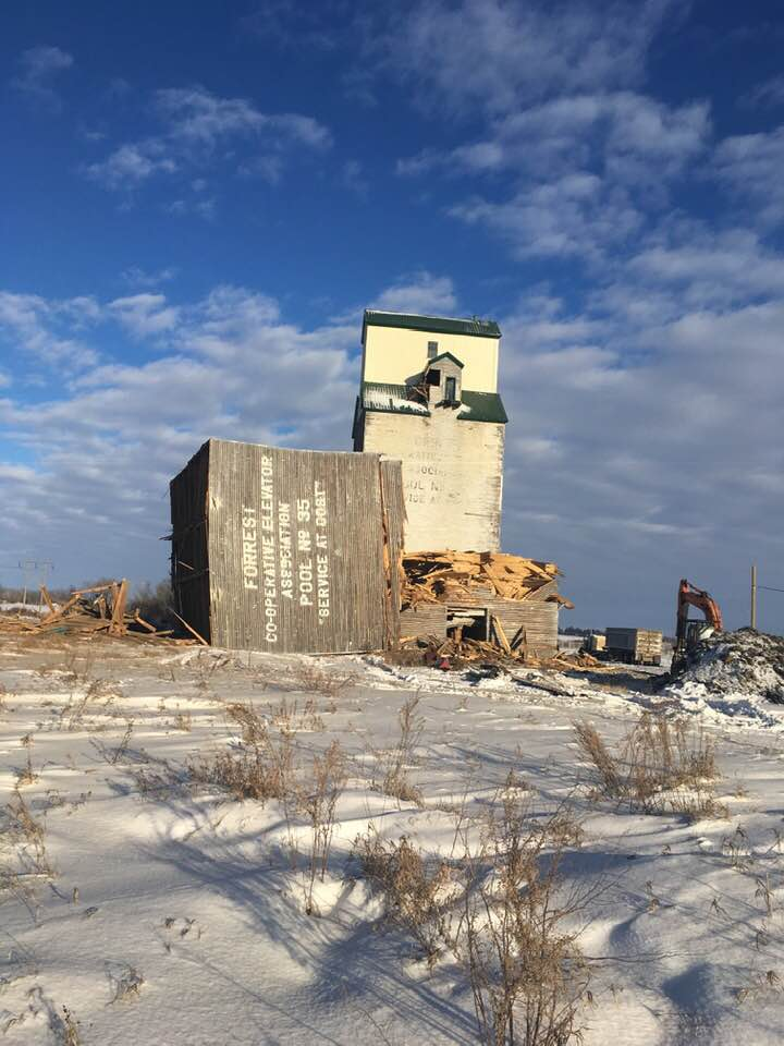 Forrest grain elevator annex destroyed, Nov 29, 2018. Copyright by Wendy Paterson.