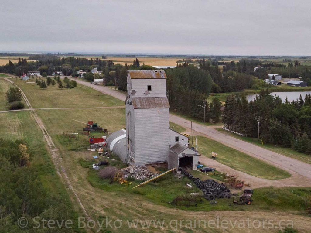 Angusville, MB grain elevator, Aug 2019. Contributed by Steve Boyko.