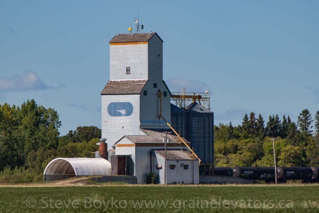 Netley, MB grain elevator, Sep 2013. Contributed by Steve Boyko.