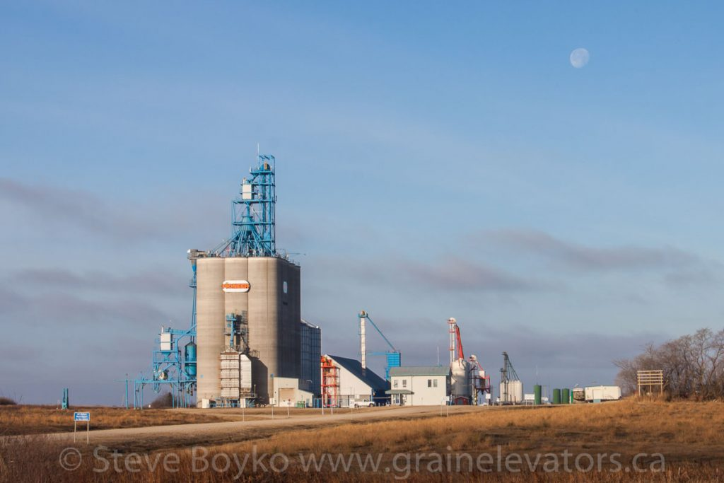 Richardson Pioneer grain elevator in Shoal Lake, MB, Nov 2014. Contributed by Steve Boyko.