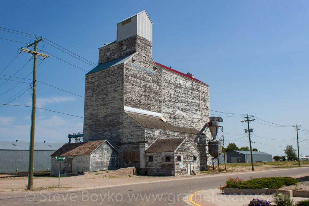 Ex UGG grain elevator in Killarney, MB, Aug 2014. Contributed by Steve Boyko.