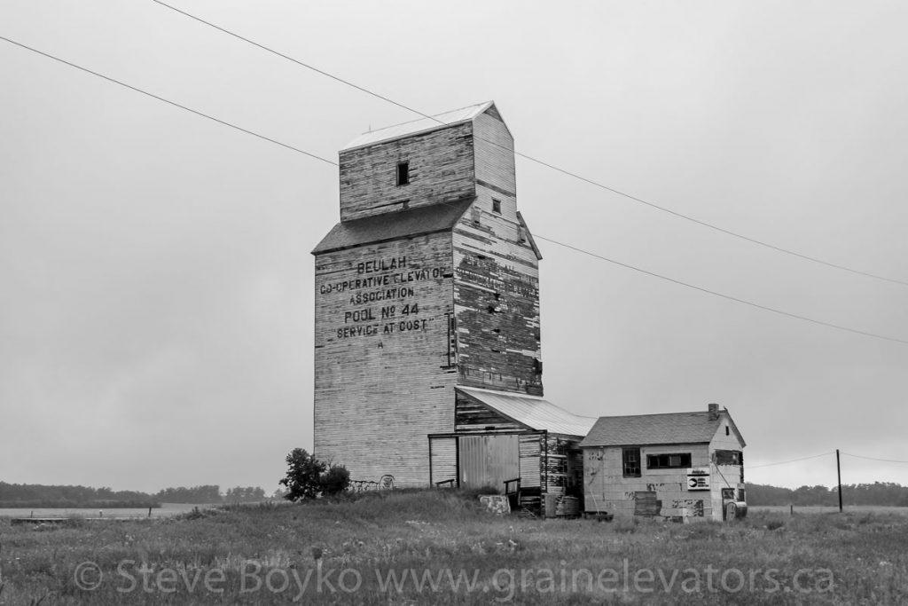 Beulah grain elevator, Aug 2019