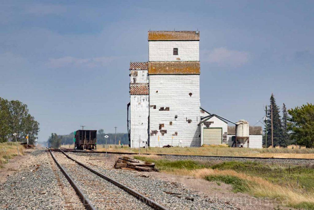 Grain elevators at Napinka, MB.