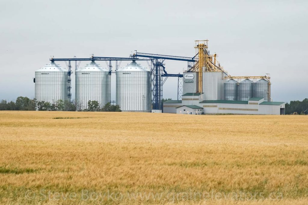 Newly expanded Viterra grain elevator at Binscarth, MB, Aug 2019.