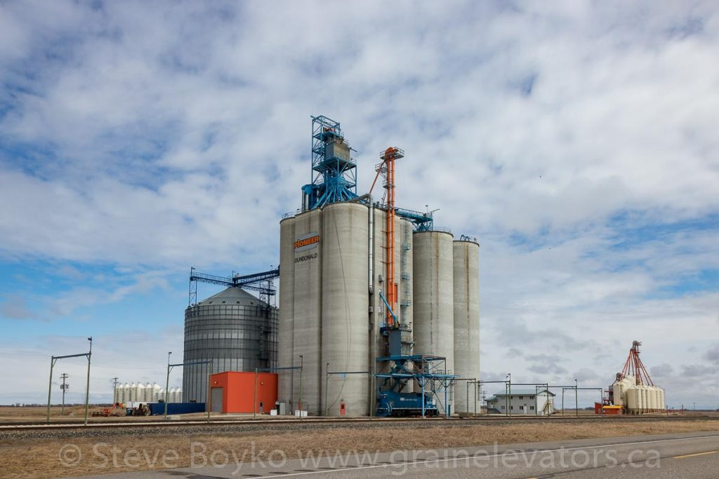 Dundonald grain elevator, April 2020. Contributed by Steve Boyko.