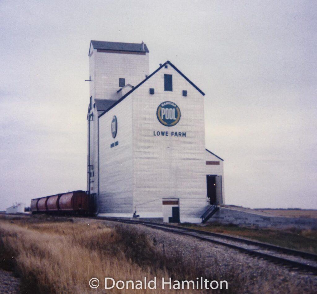 Lowe Farm, MB grain elevator, Oct 1989. Copyright Donald Hamilton.