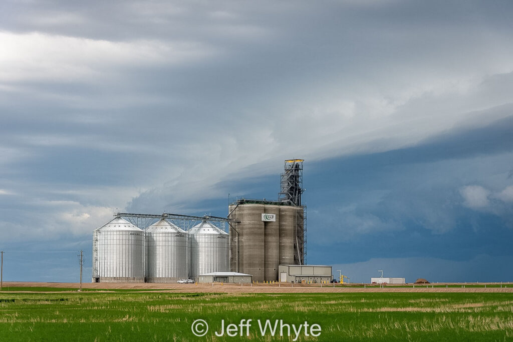 G3 grain elevator in Carmangay, AB. Contributed by Jeff Whyte.