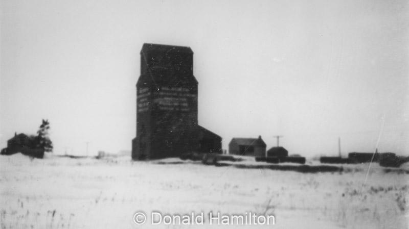 Manitoba Pool Elevators Local No 145, Solsgirth, date unknown. Donald Hamilton collection.