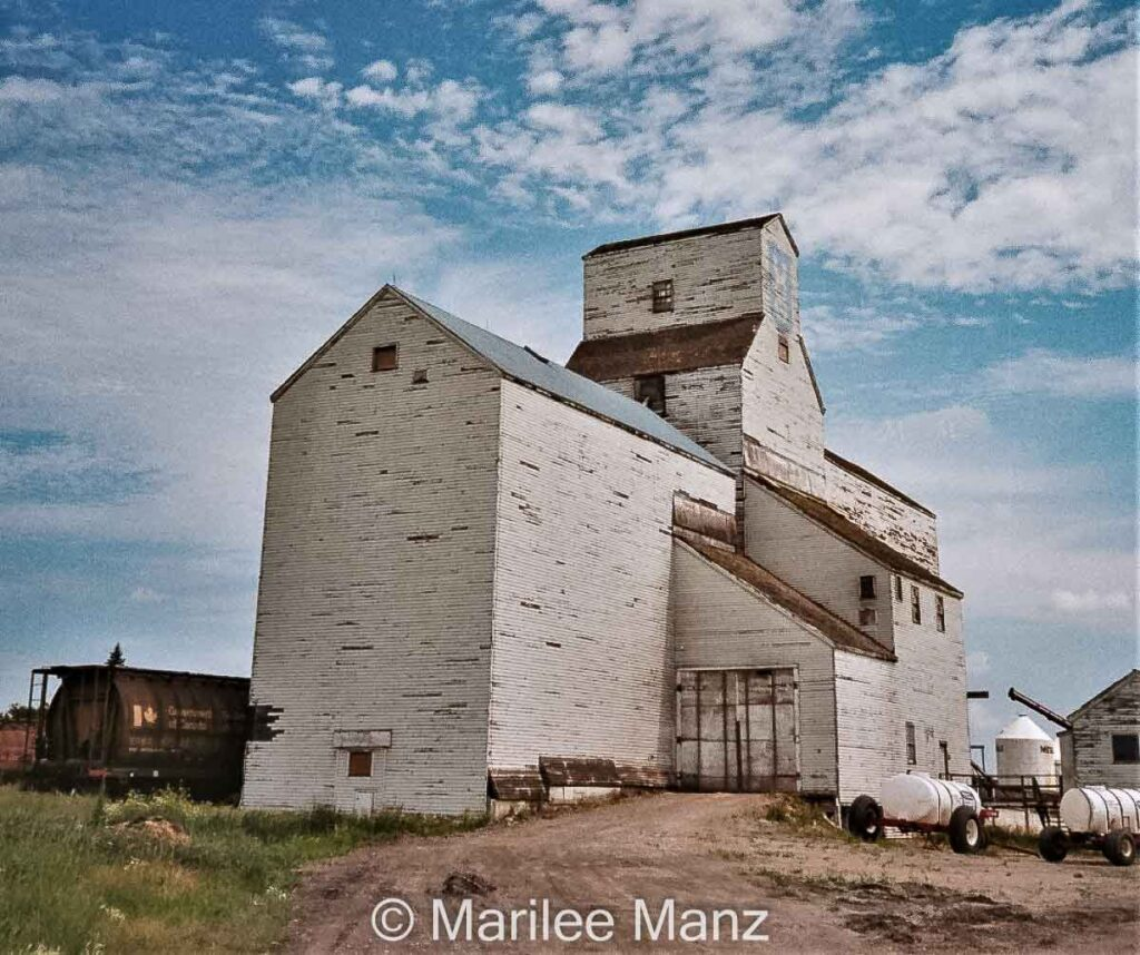 UGG elevator in Cupar, SK, 2007. Contributed by Marilee Manz.
