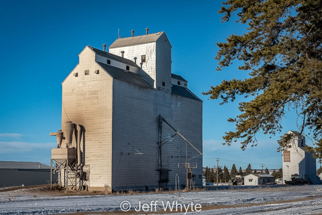 Grain elevator in Bentley, AB, Dec 2020. Contributed by Jeff Whyte.