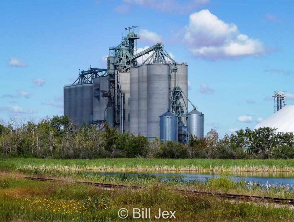 Legacy Junction grain terminal near Ohaton, AB, Aug 2014. Contributed by Bill Jex.