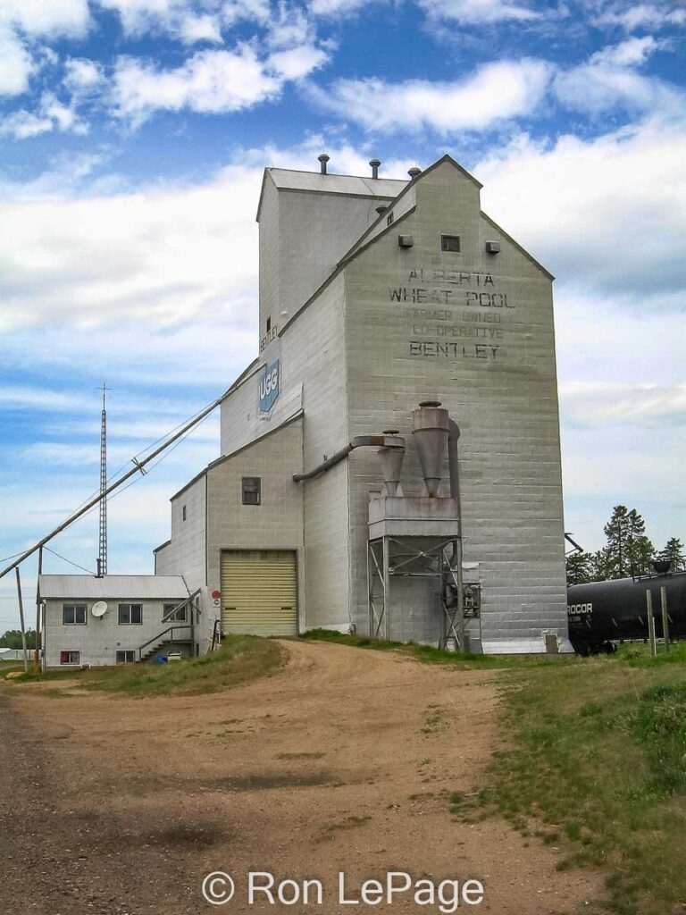 Bentley, AB grain elevator, Apr 2006. Contributed by Ron LePage.