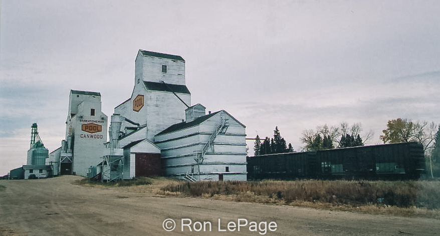 Grain elevators in Canwood, SK, Sep 2001. Contributed by Ron LePage.